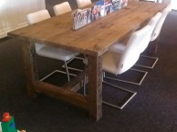 Oud eiken tafels
