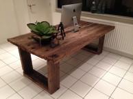 Oude eiken tafels